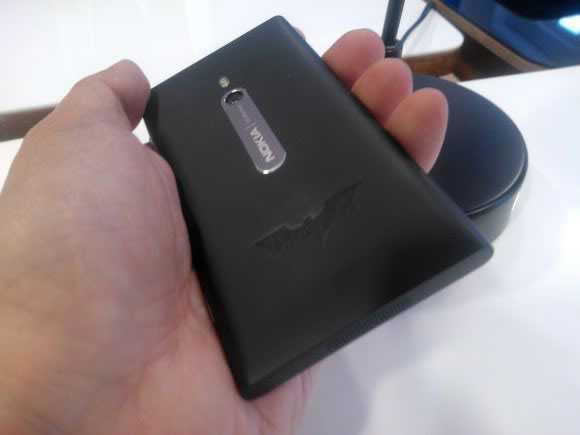Nokia unveils Batman Dark Knight Rises limited edition Lumia 800